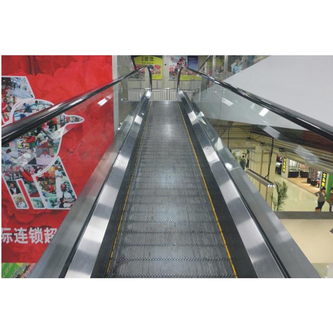 摘要:本文作者对电梯制动器的分类进行了较详细的说明,并对制动器多种常见的失效模式进行了分析,指出了常见电梯制动器失效的原因,为电梯同行提供的参考。 关键词:电梯 制动器 电梯制动器,也就是常说的抱闸,是电梯上最主要的安全部件,在电梯运行过程中承任众多的安全动作,例如:日常的电梯停车制动,上行超速保护制动以及接下来将要实施的轿厢意外移动制动等。而且由于制动器失效的原因导致的电梯事故也层出不穷,比如今年的7 月30 日在杭州市某小区发生的一名大学女生被电梯夹住身亡的事故,就是因为制动器严重磨损,制动力失效而导